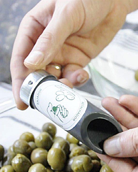 Tubo para rajar olivas manual